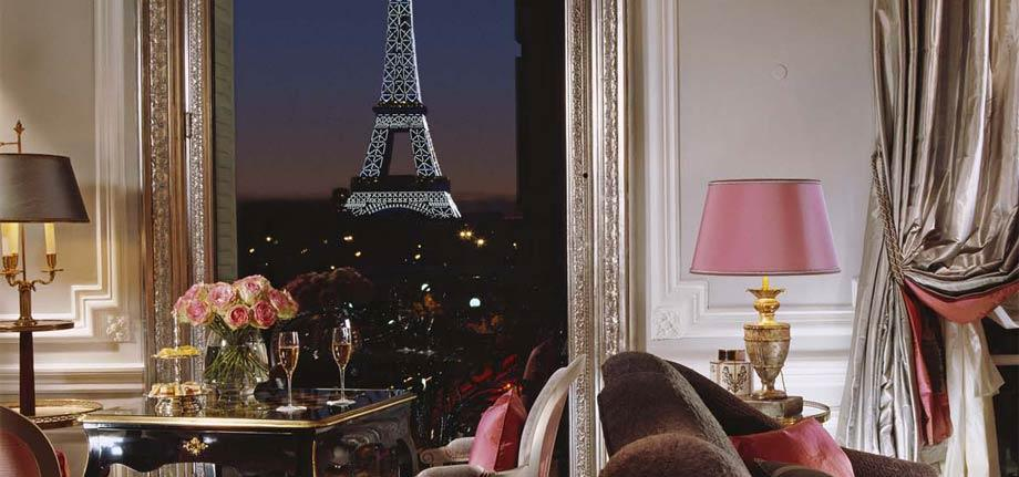 Honeymoon with a view world 39 s best hotel vistas for Best view of eiffel tower from hotel room