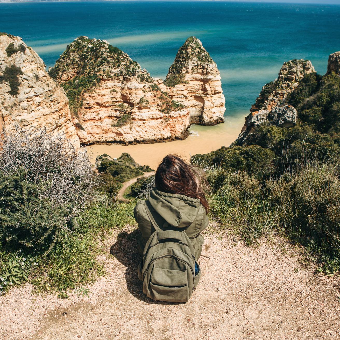 https://www.travelersjoy.com/blog/Fall_honeymoon_Destinations_Algarve.jpg