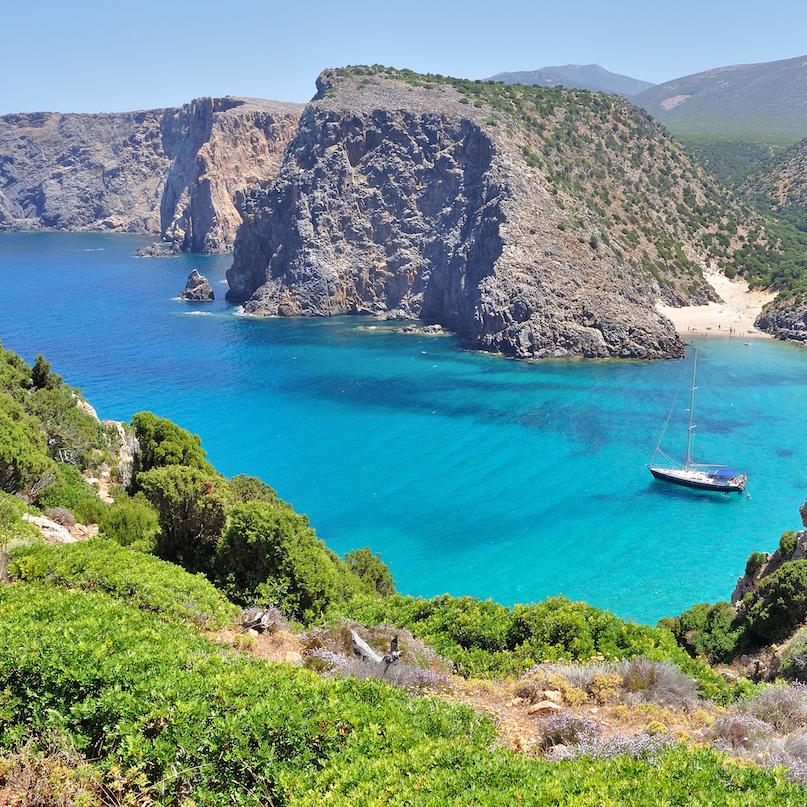 https://www.travelersjoy.com/blog/Italy_Sardinia_honeymoon.jpg