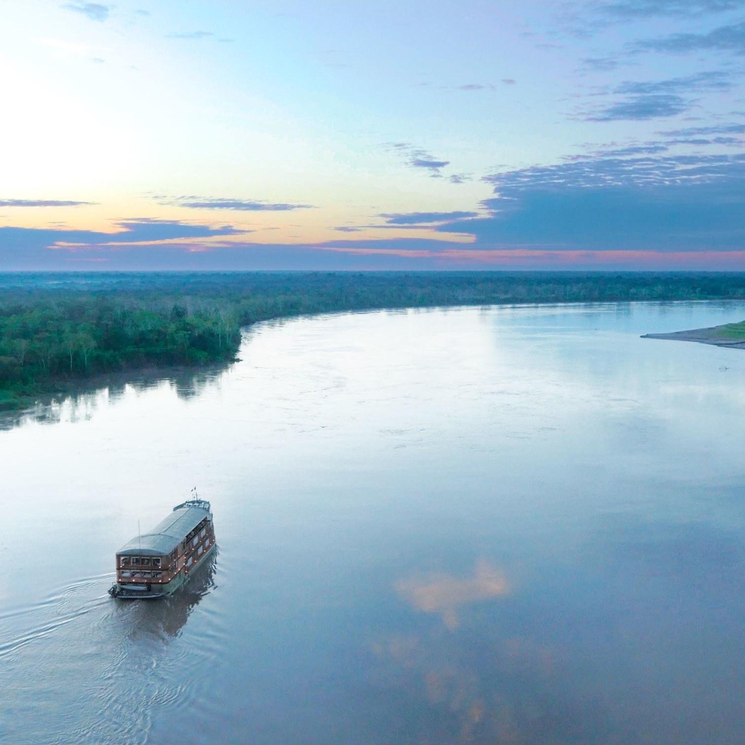 https://www.travelersjoy.com/blog/Peru-Amazon-Delfin-Amazon-Cruises.jpg