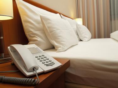 hotelroom--1.jpg