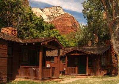 Honeymoon outdoors america 39 s best national park lodges for Cooper s cabin park city