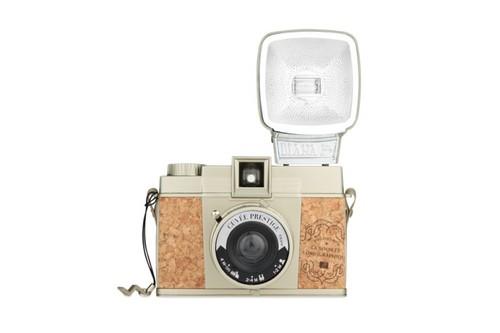 Vintage-Camera-001.jpg