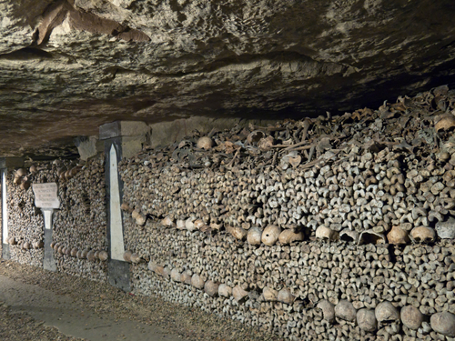 Paris_Catacombs_1.jpg