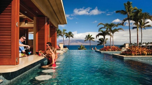 Four_Seaons_Maui_Wailea_Pool_Bar.jpeg