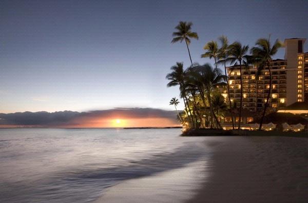 Oahu_Sunset_Halekulani-1.jpg