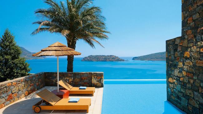 DeluxeSuite_Blue_Palace_Crete-1.jpg