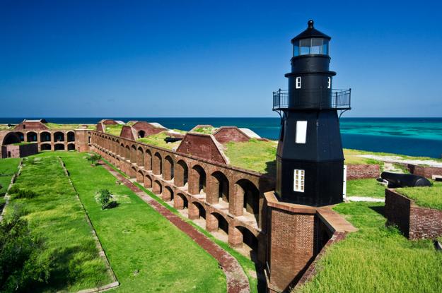 Florida_Keys_Fort_Jefferson-1.jpg