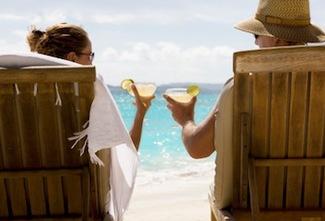 honeymoon_couple_cheers.jpg