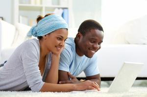 Couple_Checking_Honeymoon_Registry-001.jpg