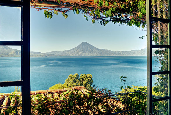 casa_palopo_volcano_view_2.png