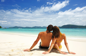 honeymoon_couple_on_beach-1.jpg