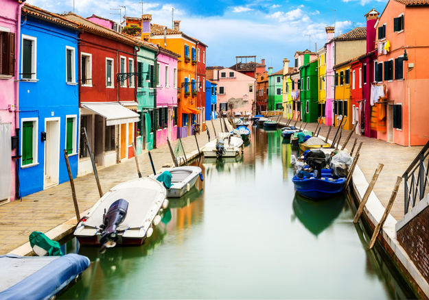 colorful_burano_italy-1.jpg