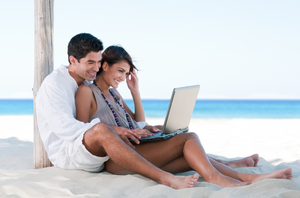 honeymoon_couple_registry_beach-1.jpg