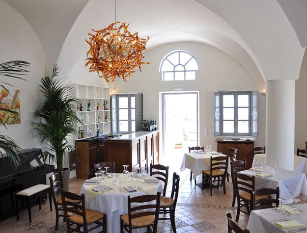 selene_restaurant_santorini_greece-001.png