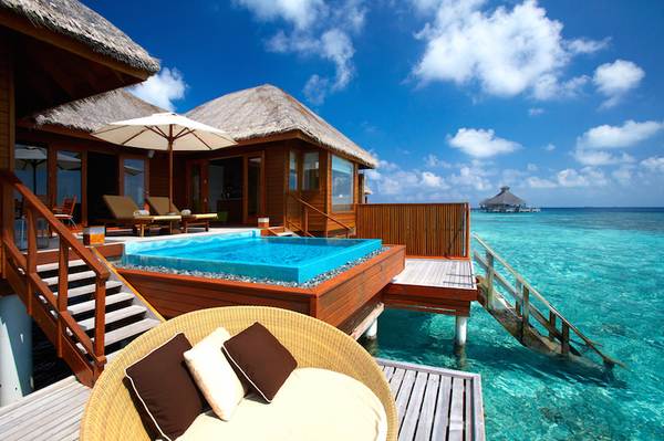 overwater-bungalow-huvafen-fushi-maldives-01.jpg