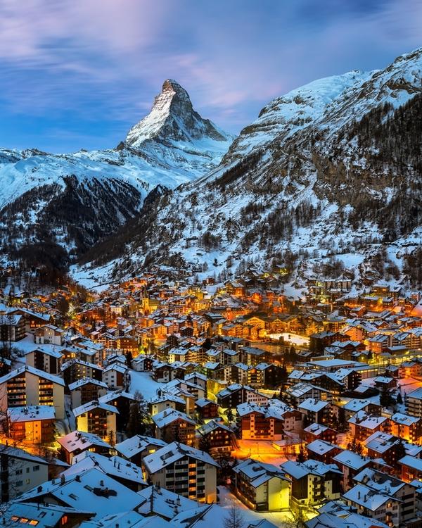 snowy_mountain_village-01.jpg