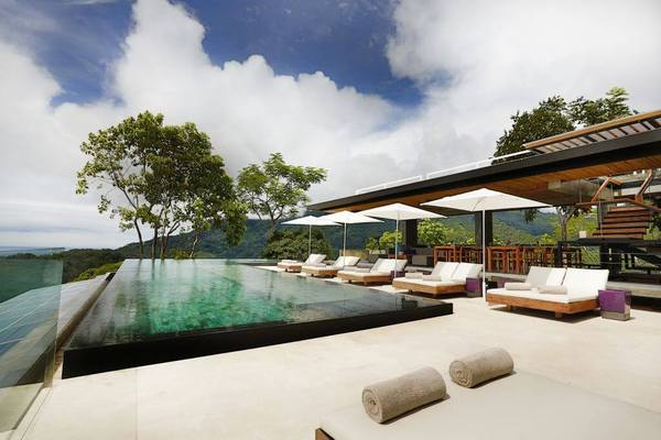 Pool_Kura_Design_Villas-1.jpg