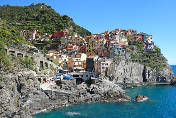 cinque_terre_honeymoon_destination-1.jpg