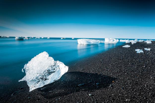 black_sand_beach_iceland_01.jpg