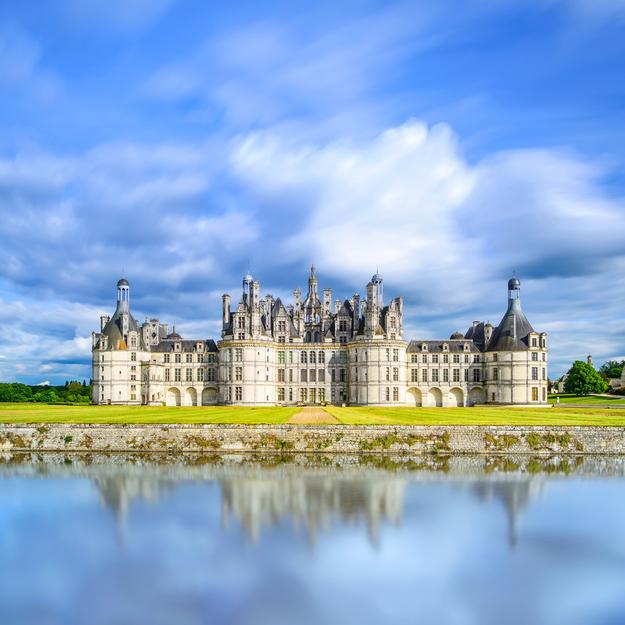 Loire_valley_chateau_de_chambord.jpg