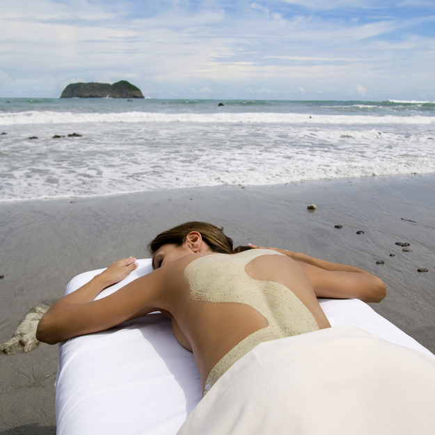 arenas_del_mar_costa_rica_massage_beachside.jpg
