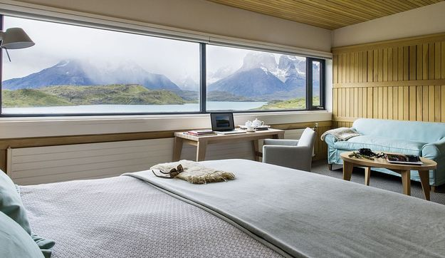 patagonia_luxury_hotel_with_view.jpg