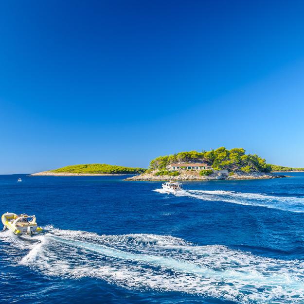 croatia_honeymoon_hvar_coast-1.jpeg