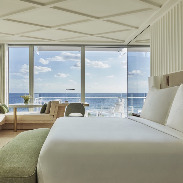 Four_Seasons_Hotel_Surf_Club-1.jpg