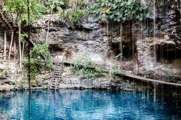 Mexico_cenote_honeymoon_adventure.jpg