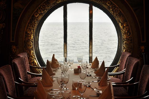 honeymoon_cruise_food_experiences1.jpg