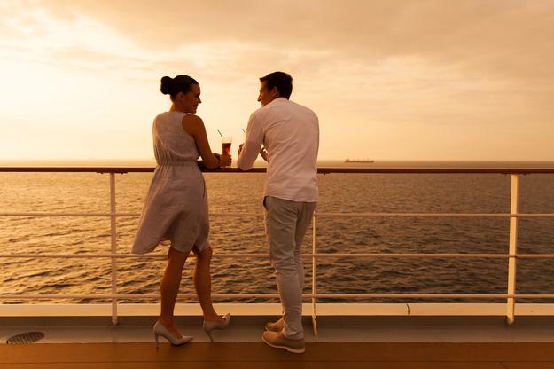 honeymoon_cruise_newlyweds_1.jpg