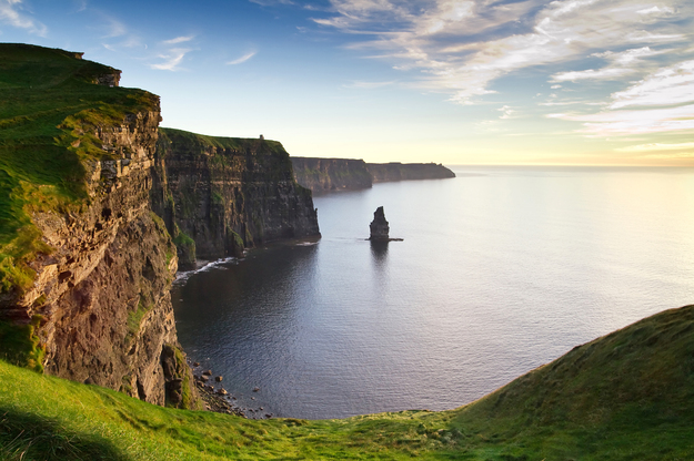 Ireland_Cliffs_of_Moher_honeymoon-4.jpg