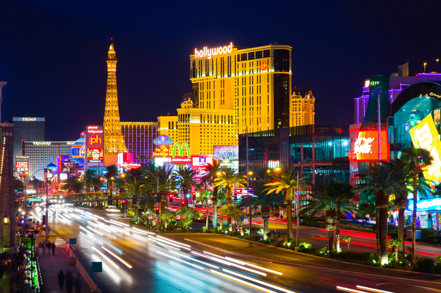 top_honeymoon_destinations_Las_Vegas.jpg
