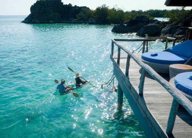 overwater_honeymoon_bungalows-6.jpg