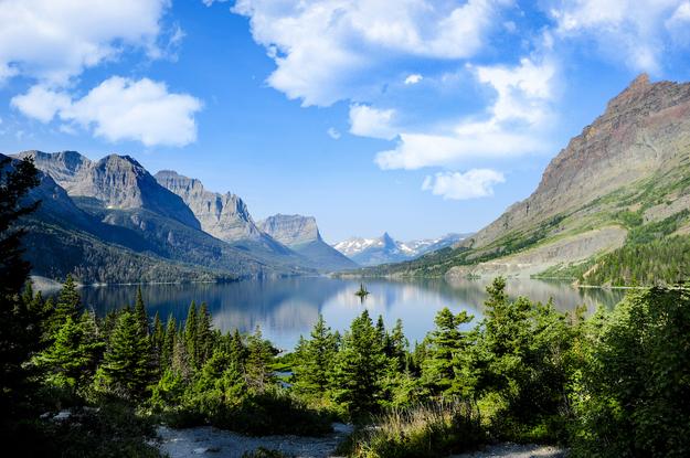 Glacier_National_Park_affordable_honeymoons.jpg