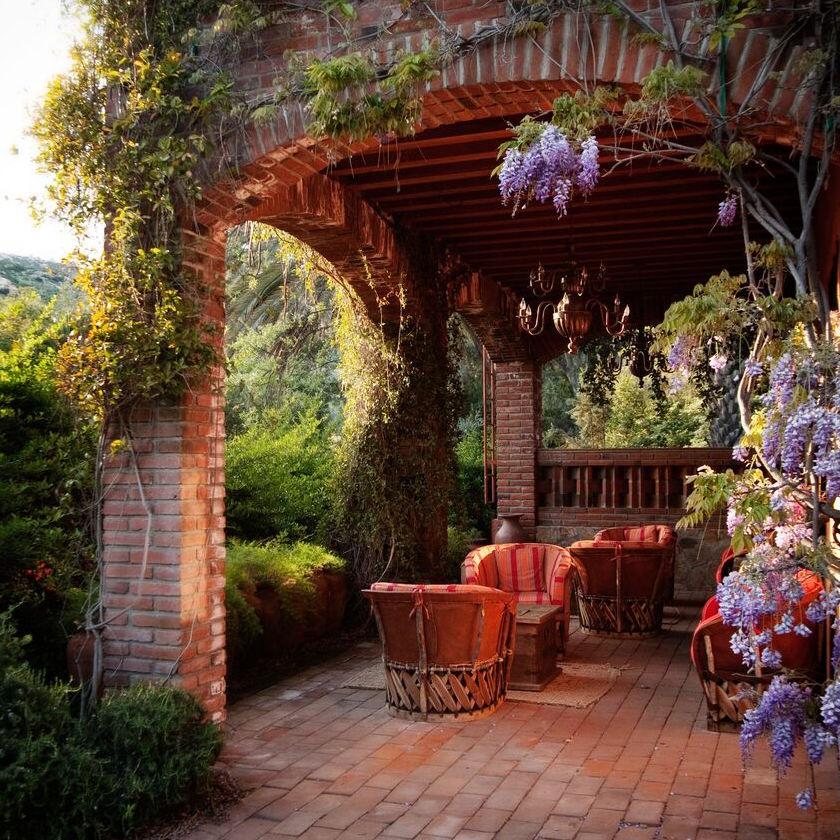 https://www.travelersjoy.com/blog/honeymoon_spa_retreat-2.jpeg
